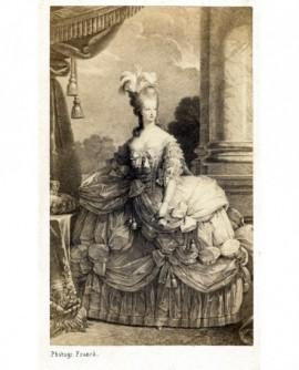 Portrait en pied de Marie-Antoinette (d'après Mme Vigée-Lebrun)