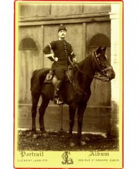 Garde répubicain (caporal) à cheval