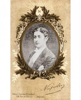 Portrait de jeune homme en médaillon sous cartouche. Napoleon