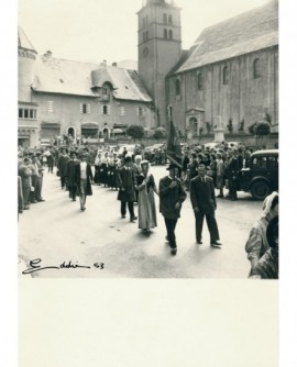 Défilé folklorique à Megève (1953)