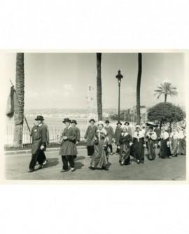 Défilé floklorique à Nice (1953)